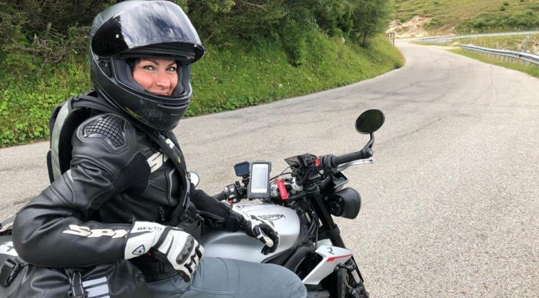 equipaggiamento in moto per donne