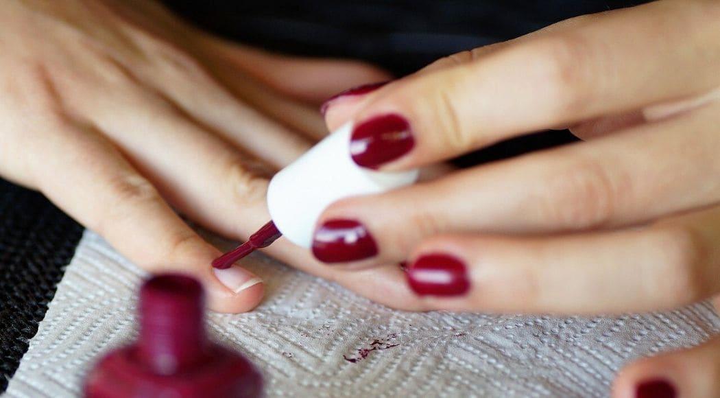 come fare una manicure perfetta a casa