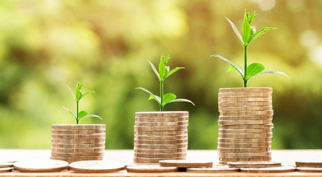 Il crowdfunding è una raccolta di fondi portata avanti sul web che permette di ricevere contributi o finanziamenti da un gruppo numeroso di persone interessate a sostenere un progetto.