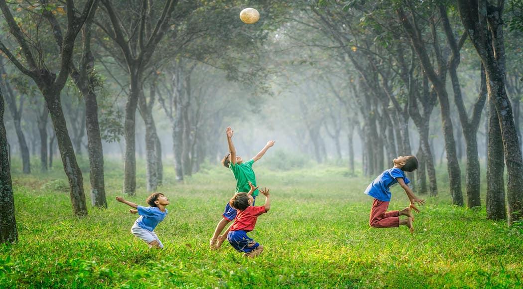 i bambini vivono un deficit di natura