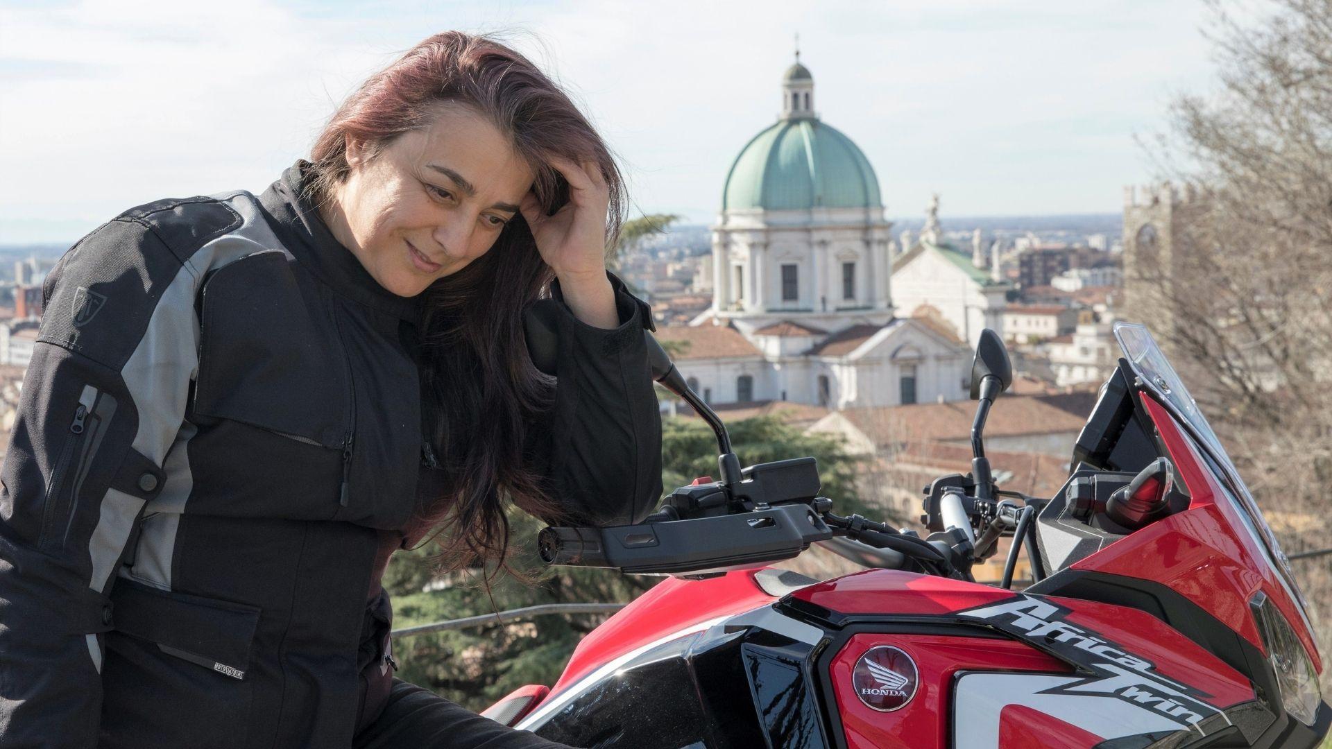 Come scegliere la giacca da moto da donna